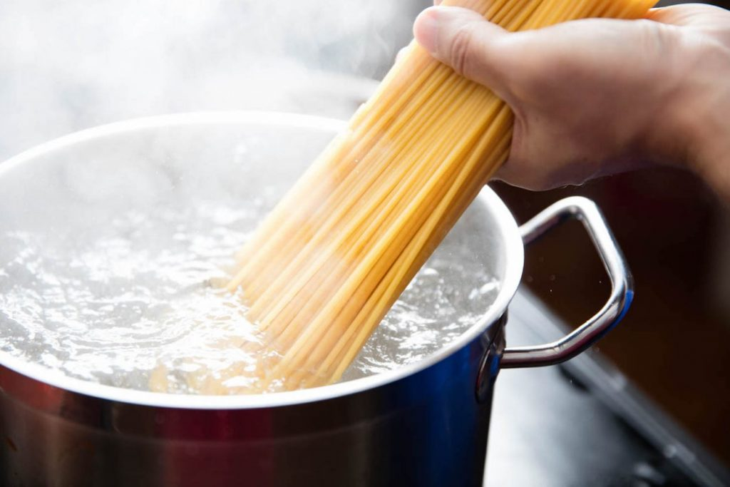 acqua-spaghetti-1300x867